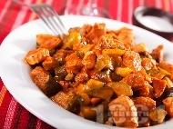 Свинско с кисели краставички и доматен сос
